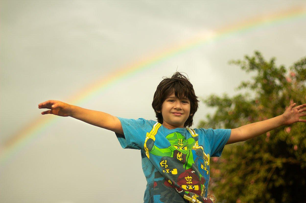Niño arcoirs